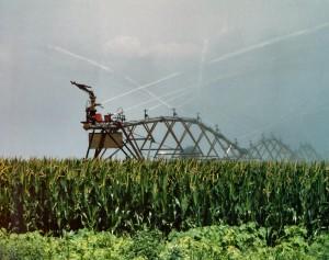 Central pivot irrigation